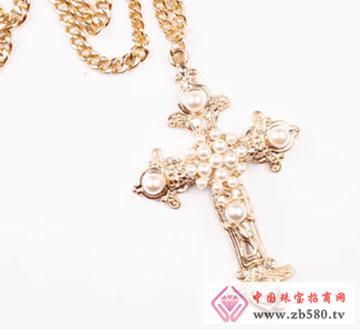 复古十字架项链