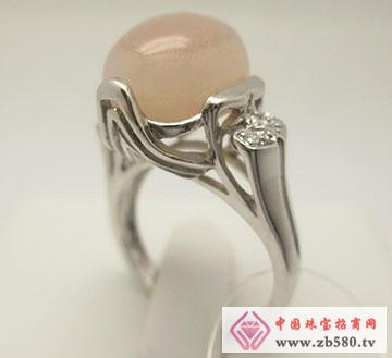 三峡特产宝石天然原色猇红玉髓