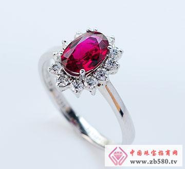 18K椭圆钻石围一圈经典豪华红宝石