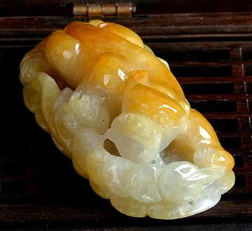 玉貔貅吊坠-黄翡金蟾如意挂件玉坠-