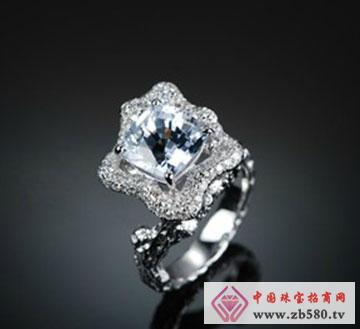 白金白蓝宝石戒指