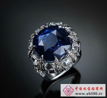 白金皇家蓝宝石戒指