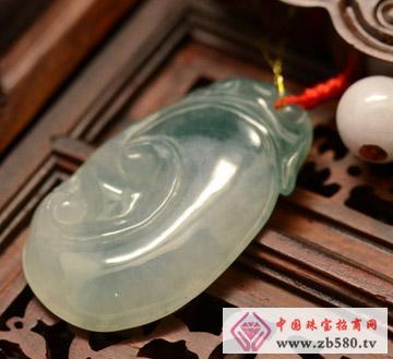 中国黄金珠宝--冰种飘蓝花翡翠如意