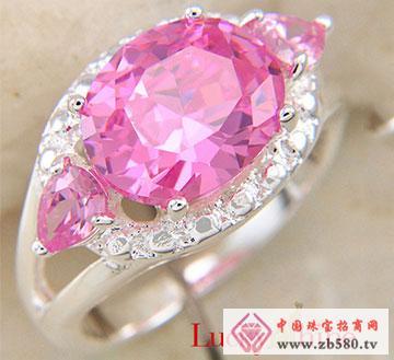 粉红石戒指