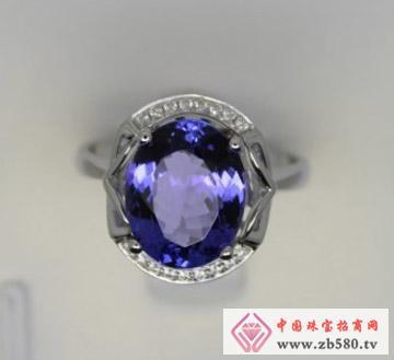 启泰珠宝--18K白坦桑石戒指