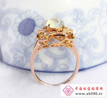 无色玻璃种翡翠戒指
