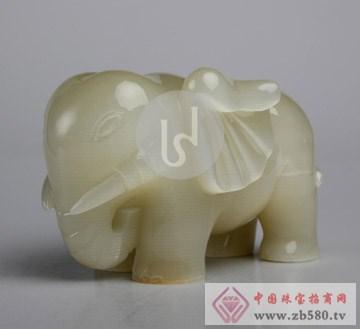 天下玉家-小象戏水