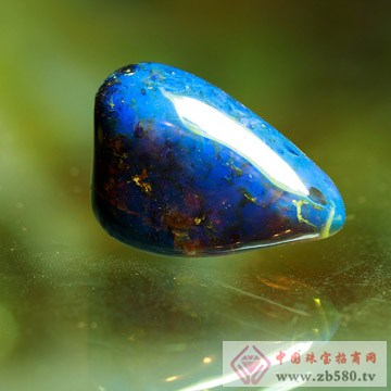 琳福�-琥珀裸石