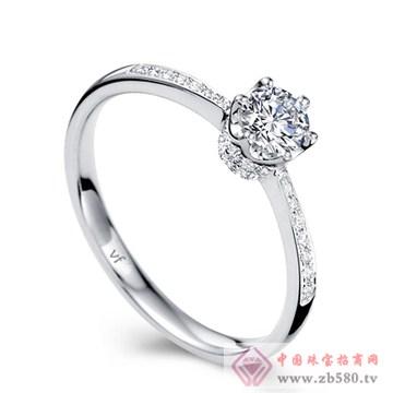 万凤珠宝-白18K金钻石女戒【爱的皇