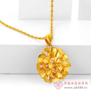 世嘉珠宝-非常完美系列黄金吊坠