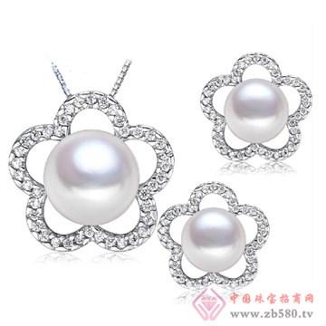 银镶钻花朵珍珠耳钉