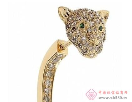 卡地亚猎豹系列的诞生刮起了珠宝界里女强人式的风潮.
