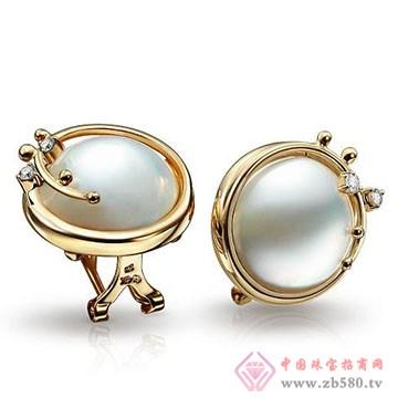 天宇珠宝-珍珠耳饰
