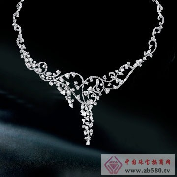 克丽兰珠宝吊坠3