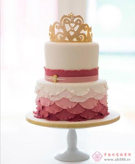 皇冠蛋糕 给婚礼添上一分贵气