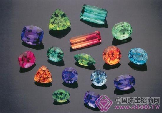 用肉眼鉴定宝石的方法有哪些
