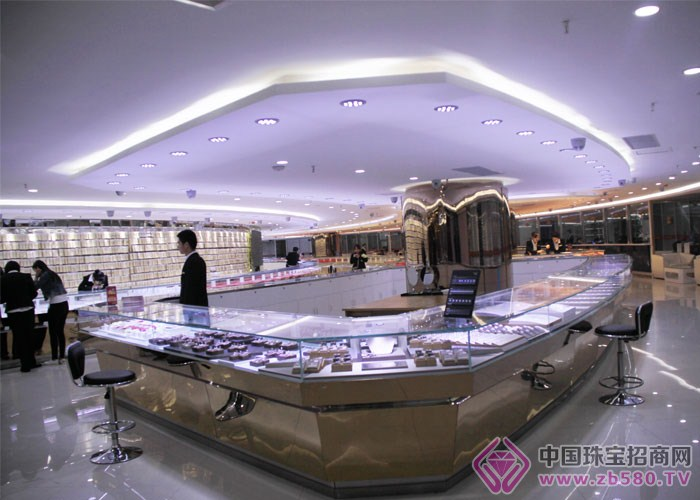 兴达珠宝-加盟店面展示09