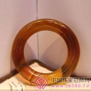 周嘉福琥珀-手�C02