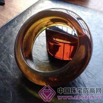 周嘉福琥珀-手�C03