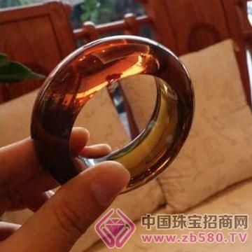 周嘉福琥珀-手�C06