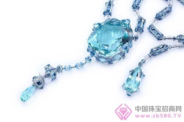 海蓝宝石是大海晶莹剔透的象征 静谧的海蓝宝石