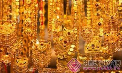 千年战争 黄金之铠