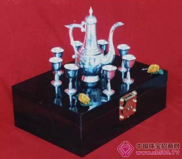银器为李杰石董事长当年亲手打造