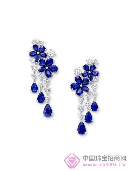 钻石和蓝宝石耳环