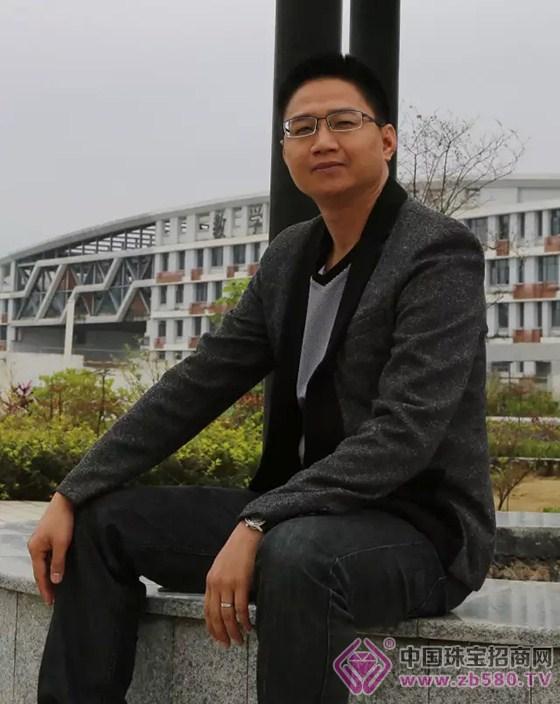 葫芦岛市龙港区陈明