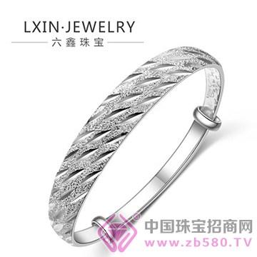 六鑫珠宝手镯1