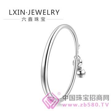 六鑫珠宝手镯2