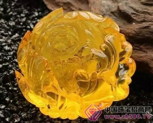 金绞牡丹花琥珀