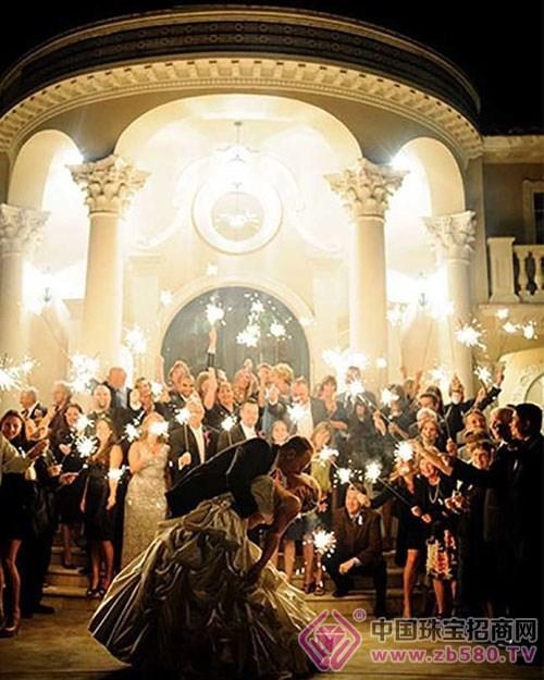 婚礼现场接吻