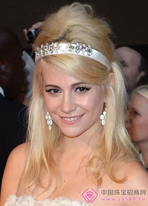 珠宝首饰与发色的搭配