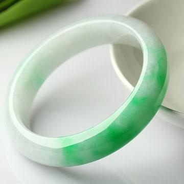 翡翠纪-天然飘阳绿手镯色