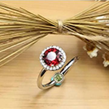 晶翠珠��-�r尚ζ �t色��石戒指