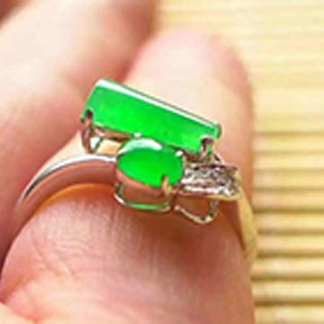 晶翠珠��-�r尚�嵌玉石♀戒指
