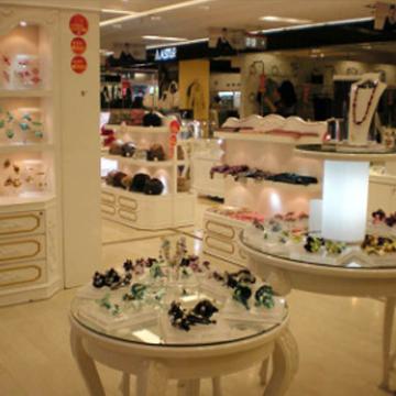 品诚-欧式风格木质精品展示柜