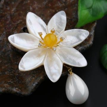 艾宝饰品-大花朵搭配玉髓款胸花