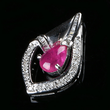 我爱珠宝城红宝石镶嵌挂件