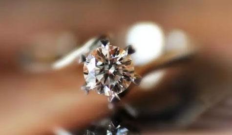 珠宝销售成功卖出钻石的必备技巧