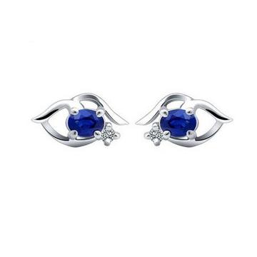 和叶珠宝天然蓝宝石耳钉