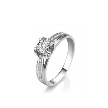 壹爱钻石戒指两情相悦