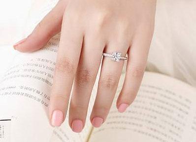 求婚戒指多少钱合适