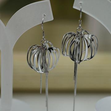 银酷尔-动感灯笼925耳环