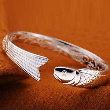 银酷尔-鱼之乐时尚手镯