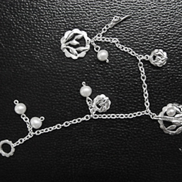 素之银银饰精美手链