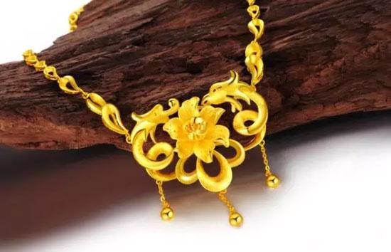 珠宝设计师安东尼奥先生担任企业设计顾问,深挖中国传统鸳鸯文化精髓