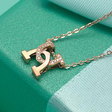 金大恒珠宝时尚字母吊坠
