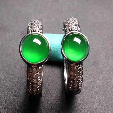 逸之璟翠绿翡翠耳环